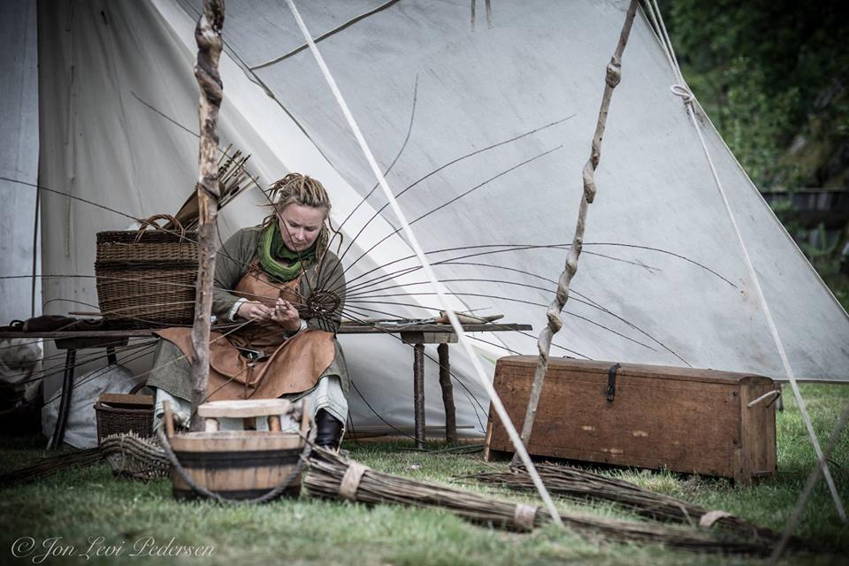 Silja fletter på vikingemarket