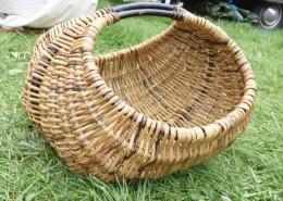 Silja levin kurvmaker, , pilefletting, pilfletting kurvmakerskolen kurvfletting silja levin lars levin skovstuen pil kurvmakerlærling kurver, levende pil basket making basketmaker, willoweaver, willow Rammeverkskurv
