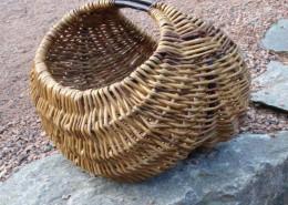 Silja levin kurvmaker, Skovstuen Pil, pilefletting, pilfletting kurvmakerskolen kurvfletting silja levin lars levin skovstuen pil kurvmakerlærling kurver, levende pil basket making basketmaker, willoweaver, willow Rammeverkskurv
