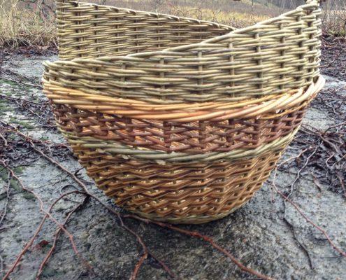 Lær å flette kurver i pil hos Silja Levin i Skovstuen pil. Pilfletting er for kreative sjeler i alle aldre.